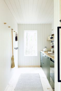 Midland Architecture's Greg Dutton designs a tiny cabin influenced by Nordic design for his family in Ohio Nordic Design, Scandinavian Design, Scandinavian Cabin, Scandinavian Interiors, Cabin Design, Design Design, Design Ideas, White Mosaic Tiles, Off Grid Cabin