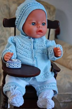 """Knitting for dolls... lovely clothes in cotton for little """"Baby doll"""" Design: Målfrid Gausel"""