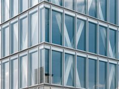Technology: Low-Energy Office Tower – Innovative Double-skin Facade with Decentralized Facade Ventilation | DETAIL inspiration