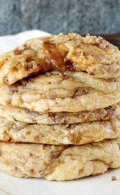 Small Batch Soft Toffee Cookie - I love to bake cookies! I use toffee chips and love the piquant zip it puts in the cookies. Toffee Cookie Recipe, Toffee Cookies, Yummy Cookies, Yummy Treats, Sweet Treats, Yummy Food, Soft Toffee Recipe, Small Cookies Recipe, Small Batch Cookie Recipe