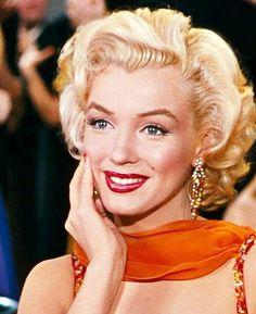 "❤Marilyn Monroe ~*❥*~❤ as Lorelei Lee in ""Gentlemen Prefer Blondes"" Old Hollywood Actresses, Old Hollywood Glamour, Golden Age Of Hollywood, Estilo Marilyn Monroe, Marilyn Monroe Photos, Viejo Hollywood, Gentlemen Prefer Blondes, Norma Jeane, Up Girl"