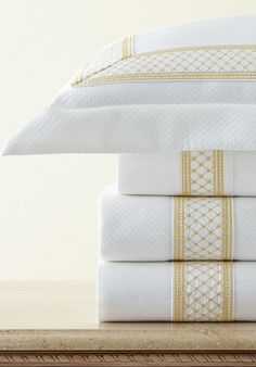 Sarah features lattice embroidered bands in a choice of 38 different colors. Select sheets, cases, s