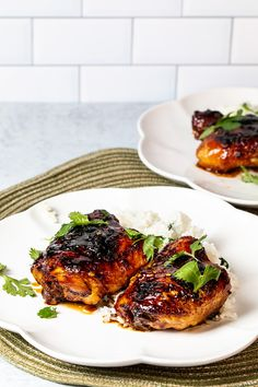 Sticky Thai Chicken Thighs - no need to marinate these sweet and spicy Thai chicken thighs! Just toss them in the flavorful sauce and bake! The best baked chicken thighs recipe! Chicken Skillet Recipes, Shredded Chicken Recipes, Chicken Thigh Recipes, Baked Chicken Recipes, Spicy Recipes, Asian Recipes, Chicken Ideas, Thai Chicken Marinade, Marinated Chicken