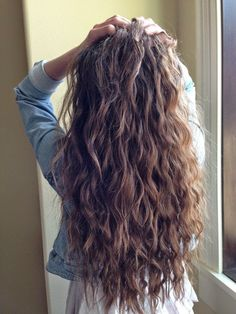 Hair hair styles hair color hair cuts hair color ideas for brunettes hair color ideas Brown Wavy Hair, Long Curly Hair, Wavy Hair Perm, Perms For Long Hair, Wavy Hair With Layers, Long Layered Hair Wavy, Messy Wavy Hair, Brown Curls, Wavy Curls