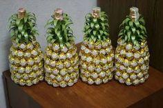 бутылка с шампанским украшенная конфетами: 10 тыс изображений найдено в Яндекс.Картинках