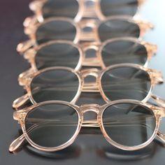 Pantos cristal pèche   #optiqueisambert #Lunettesdesoleil #pantosparis #madeinfrance Journal, Paris, Glasses, Crystal, Sunglasses, Eyewear, Montmartre Paris, Eyeglasses, Paris France