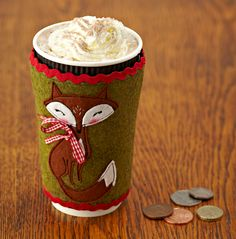 Mollie Makes templates: issue 57 felt fox coffee cup cosy warmer , cute shabby chic design Felt Fox, Wool Felt, Coffee Cup Cozy, Coffee Latte, Fox Crafts, Crochet Cup Cozy, Fox Decor, Crafty Fox, Mollie Makes