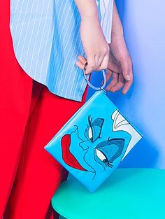 W CONCEPT : W컨셉 - [HIGH CHEEKS:하이칙스] [Disney│highcheeks] Ursula Bangle Clutch