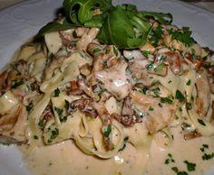 Rezept Champignons mit Sahnesoße zu Semmelknödel oder Pasta/Nudeln von la lunica strega - Rezept der Kategorie Saucen/Dips/Brotaufstriche