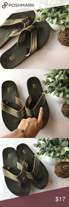 TEVA men's Thong Flip Flop size 12 - Clean and smoke free home - No holes - Mens size 12 - Small stain on canvas portion on left foot and may come out in wash - Tons of life left to these casual and comfortable flip flops - Check my other listings // bundle discount! Teva Shoes Sandals & Flip-Flops
