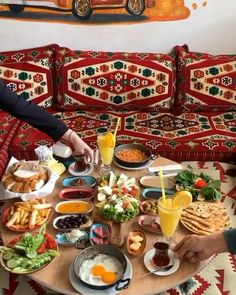 Turkish Breakfast, Breakfast Dishes, Food Platters, Turkish Recipes, Food Facts, Decoration Table, Food Presentation, No Cook Meals, Food Photo