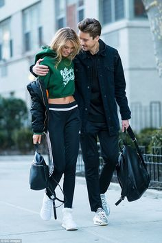 Top Models, Sport Fashion, Fashion Models, Nyc Fashion, Sporty Outfits, Fashion Outfits, Mode Chic, Fashion Couple, Couple Outfits