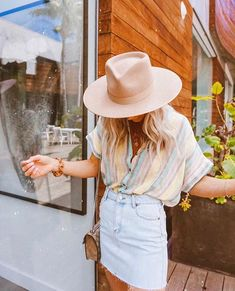 Summer Fashion Tips .Summer Fashion Tips Outfits With Hats, Mode Outfits, Casual Outfits, Black Outfits, Heutiges Outfit, Marine Look, Top Fashion, Style Fashion, Petite Fashion