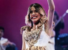 The TINI Smile nunca/never gets old fashion! Violetta Disney, Violetta Live, Netflix Kids, Disney Channel Shows, Getting Old, Sequin Skirt, Tv Shows, Photos, Victoria