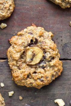 vegan chunky monkey QUINOA breakfast cookies -- because cookies for breakfast need to happen everyday!