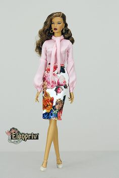 "ELENPRIV white floral printed leather skirt for Fashion royalty FR16 ITBE 16"" Tonner Tyler, Sybarite Gen X and similar body size dolls."