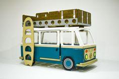 Ещё один вариант цветового решения самой популярной кроватки Camper two https://bbgw.ru/goods/Model-4-Camper-Two Кровать выполнена из высокосортной березовой фанеры и покрыта абсолютно экологичной, гипоаллергенной акриловой эмалью. Все материалы сертифицированны для использования в детской мебели и игрушках. Габариты: ширина 105см, длинна 215см, высота 150см. Размер нижнего спального места 145 х 80см, верхнего 180х 80см.