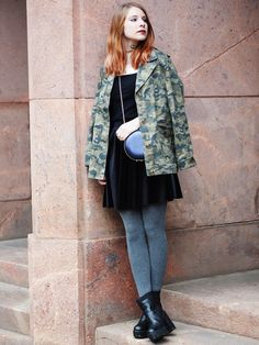 The Fashionable Blog. Black and white sweater+black samt skirt+grey tights+black plattform ankle boots+camo printed blazer+black chain crossbody bag+green chocker+necklace. Fall Smart Casual Outfit 2016