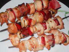 """""""Yamy mami!"""" Retete culinare: FRIGARUI DIN PIEPT DE PUI LA GRATAR Kebabs, Shrimp, Meat, Chicken, Food, Kabob, Essen, Meals, Kabobs"""