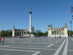 Danube River Cruise Ship    ||  DerTour Mozart   ||  Budapest, Hungary - Heroes Square  ||  140510