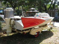 Old Boats With Fins | ... Always A Few Surprises To See | Classic Boat News / Woody Boater