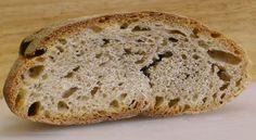 PANE-SECCOIl pane morbido  Se si vuole gustare del pane morbido ma in casa c'è solo pane duro, questo può essere avvolto all'interno di un panno umido e poi posto nel microonde per una decina di secondi alla massima potenza. Se, quando lo si tira fuori, ci si rende conto che il pane è ancora un po' secco, si può ripetere la procedura un'altra volta.