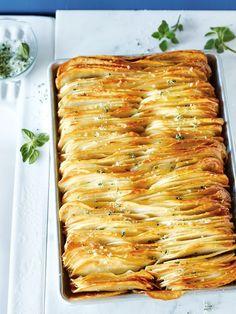 Crispy leaf potatoes with oregano salt - Donna Hay Dec-Jan 2014 Potato Dishes, Potato Recipes, Vegetable Recipes, Food Dishes, Vegetarian Recipes, Cooking Recipes, Healthy Recipes, Cooking Vegetables, Duck Recipes