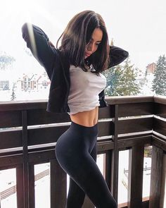 Perfect body😲😲😍 Tag a friend to make them. Mädchen In Leggings, Fit Girls Images, Girl Outfits, Cute Outfits, Sport Outfits, Fitness Inspiration Body, Yoga Inspiration, Skinny Girls, Girl Body