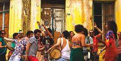 """A pouco mais de um mês para o Carnaval, São Paulo se pinta e se enfeita para brincar. Então, imagine uma grande festa enchendo as ruas da cidade de cor e alegria? A cada novo fevereiro já é tradição dos blocos de rua homenagear artistas/bandas, formando cordões carnavalescos como o """"Sargento Pimenta"""" em homenagem aos...<br /><a class=""""more-link""""…"""