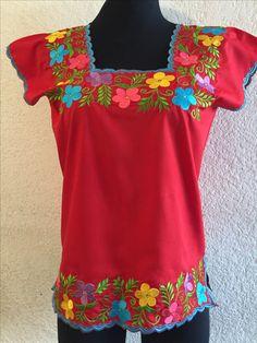 Escoge el color que más te guste !blusas hermosas distintos colores! Un Rincón Yucateco boutique. Contáctanos:55-40491374