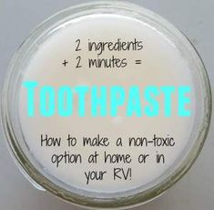 Low waste diy Simple, Effective, Non-Toxic DIY Toothpaste Toothpaste Recipe, Homemade Toothpaste, Natural Toothpaste, Diy Simple, Diy Spa, Thing 1, Diy Cleaning Products, Diy Beauty, Beauty Tips
