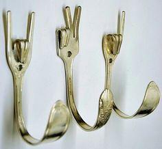 Silber Rock auf x set Frieden x Liebe spezielle Sammler 3 Besteck Kleiderhaken Recycled Crafts, Diy Crafts, Fork Crafts, Recycled Wood, Recycled Decor, Creative Crafts, Silverware Art, Recycled Silverware, Wedding Silverware