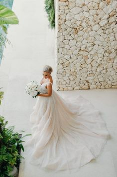 Inspiration Robe du Mariage : Description Hannah Polites Ties the Knot in STUNNING Bali Affair Pallas Couture, Glamorous Wedding, Romantic Weddings, Luxury Wedding, Dream Wedding, Destination Weddings, The Knot, Bali, Classic Wedding Gowns