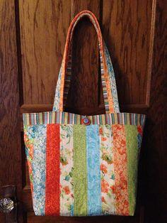 Barbara Huber Designs: Jelly Roll Tote Bag- Love those precuts!