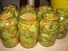 Sałatka z ogórków na zimę Meals In A Jar, Apple Cider, Preserves, Pickles, Cucumber, Mason Jars, Food And Drink, Cooking Recipes, Canning