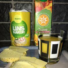 Kvällis till #CSI efter långpromenad... 👟👟 #risenta #linskakor #goodstuff #proviva ost smör