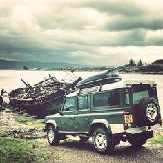 Shipwrecks  @alexwj @nigel1226 @flowersbr @benfogle @frontrunneroutfitters  #landroverdefender #landroverdiscovery #landrover #defender #onelifeliveit #4x4 #4wd #travel #explore #exploring #travelling #instagram #car #offroad #picoftheday #scotland #overland #110 #td5 #90 #series #mountains #island #turbo #diesel #power #instagood #series #boat #beach #sea