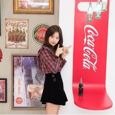 Blackpink Jisoo, Kim Jennie, Kpop Outfits, Korean Outfits, Yg Entertainment, South Korean Girls, Korean Girl Groups, Coca Cola, Black Pink ジス