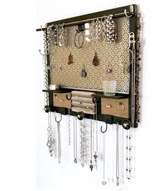 Wall mounted jewelry storage organizer and display - - b .Wall-mounted hanging jewelry storage organizer and display - - beautifuljewel . - Wall-mounted hanging jewelry storage organizer and display - - beautifuljewelr - ad Diy Jewelry Unique, Diy Jewelry To Sell, Diy Jewelry Holder, Jewelry Hanger, Jewelry Stand, Handmade Jewelry, Necklace Holder, Dyi Earring Holder, Jewelry Rings