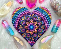 Wooden heart mandala decoration ~ hanging mandala ornament decoration hand painted boho yoga healing spiritual Mandalas By RainbowSoul gift - Bastelideen - Etsy Dot Art Painting, Mandala Painting, Stone Painting, Mandala Painted Rocks, Mandala Rocks, Mandala Art Lesson, Mandala Canvas, Wooden Hearts, Mandala Design