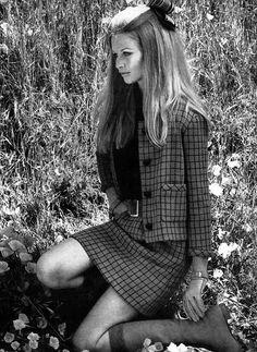 Francoise Rubartelli, photo by Norman Parkinson, Vogue 1967