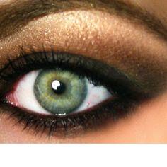 Smoky eye for green eyes!!