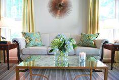 Gelbe und Blaue Interieurs - elegante, klassische Motive