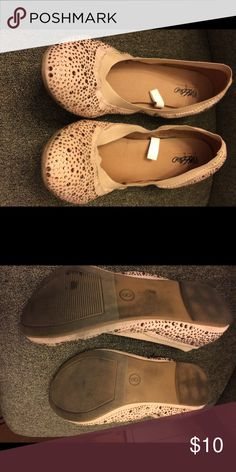 Pink rhinestone flats Mossimo pink sparkly flat. Wore a few times. All rhinestones are in tact. Mossimo Supply Co Shoes Flats & Loafers