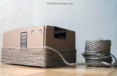 This creative DIY pro wanted a cheap storage option for her new remodeled bathroom, but she didn't want to break the bank. So she grabbed a regular old cardboard box and got to work. Home Crafts, Fun Crafts, Diy And Crafts, Diy Projects To Try, Craft Projects, Craft Ideas, Carton Diy, Blog Deco, Craft Storage