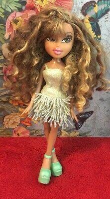 Bratz Doll Yasmin Curly Hair With Highlights Ebay Hair Highlights Curly Hair Styles Bratz Doll