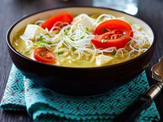 Did you know Silk has a ton of tasty recipes, like this one for Coconut Curry Noodle Bowl? You shall use almond and coconut blend it is great. Soup Recipes, Vegetarian Recipes, Cooking Recipes, Healthy Recipes, Recipies, Curry Noodles, Tofu Noodles, Shirataki Noodles, Vermicelli Noodles