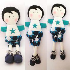 Boneco de pano Oliver da Monni Dolls