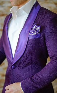 Talk about a dinner jacket. This has to be, without a doubt, the best I have ever seen!