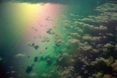 Arcoiris entre las nubes .